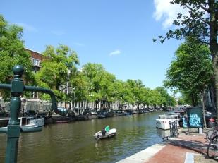 25 Amsterdam W1 Life on the Singel